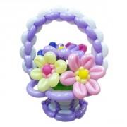 Фиолетовая корзина с цветами из воздушных шаров от фирмы Шар-MSK